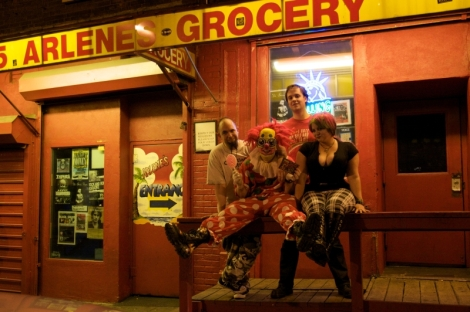 2008-11-16_tots_at_arlenes_grocery_018
